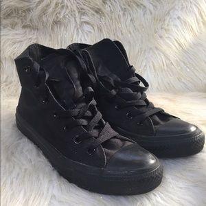 Black converse all star size 8